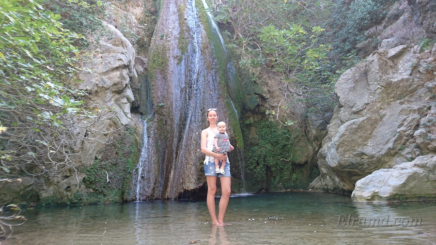 У водопада в ущелье Рихтис