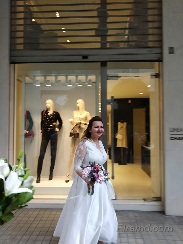 Невеста на греческой улице