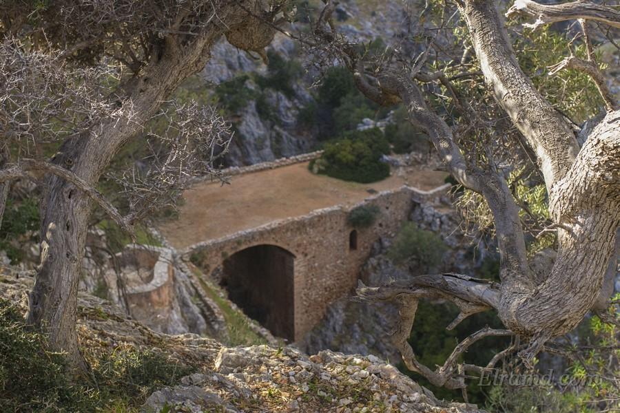Монастырь Католико, Крит