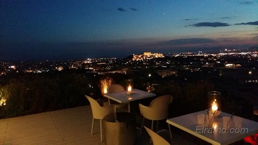 Вид на ночной Акрополь