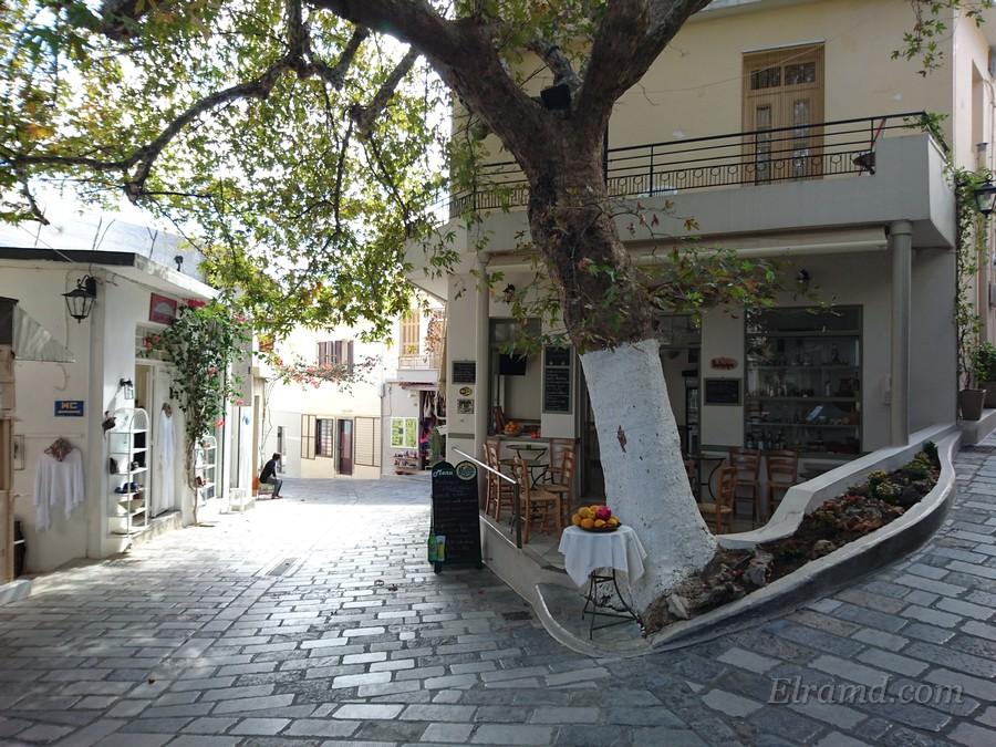 Узкие улочки деревни Крица
