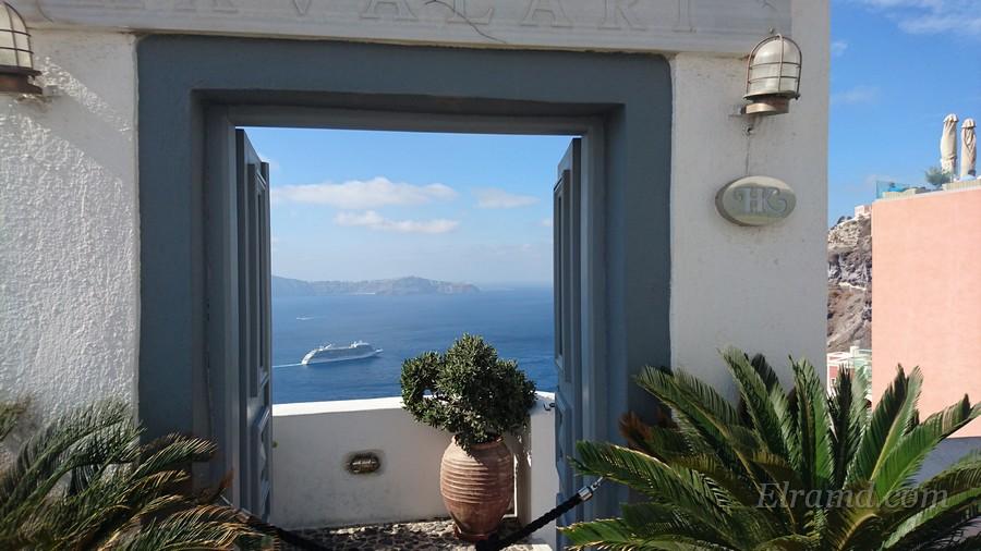 Ещё один открыточный вид Санторини