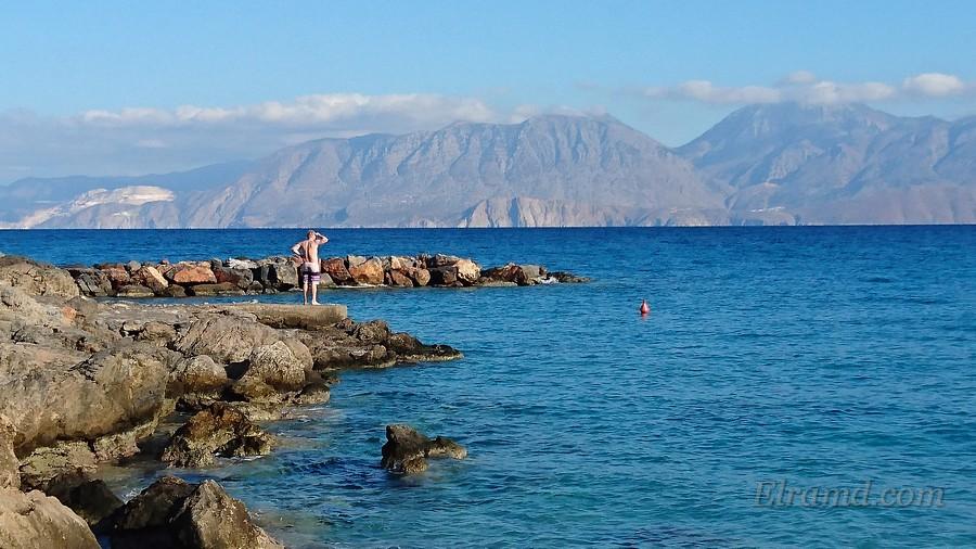 На берегу моря в Агиос Николаос