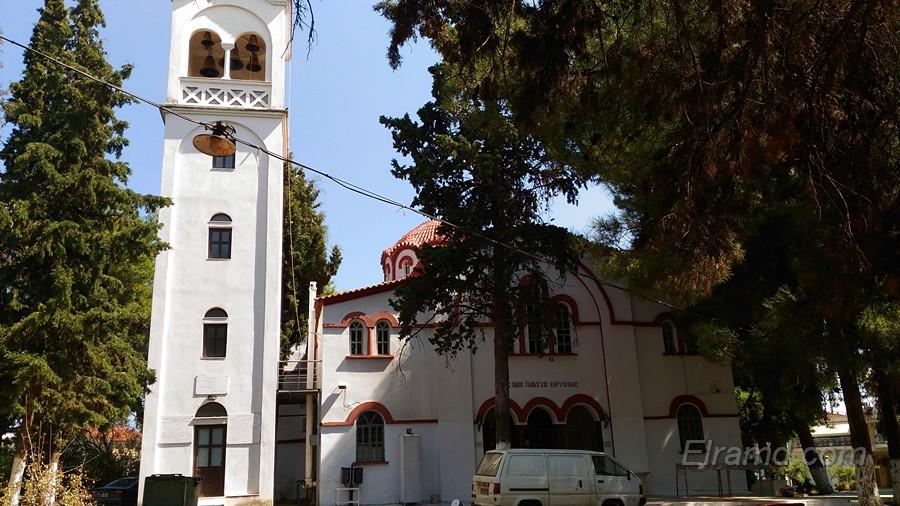 Храм Панагии Корифини и колокольня рядом