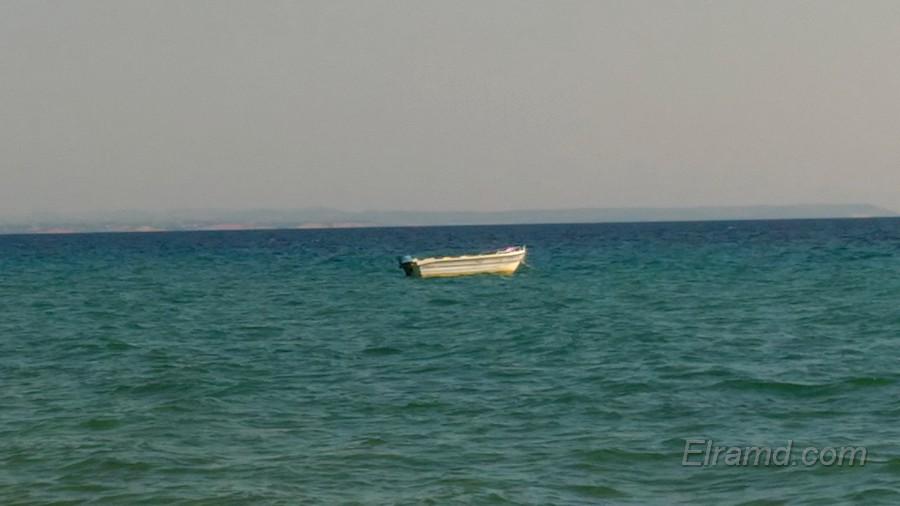 Лодка на рейде