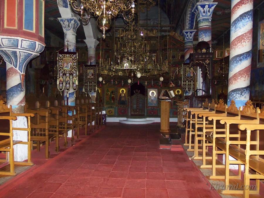 В храме Архангела Михаила