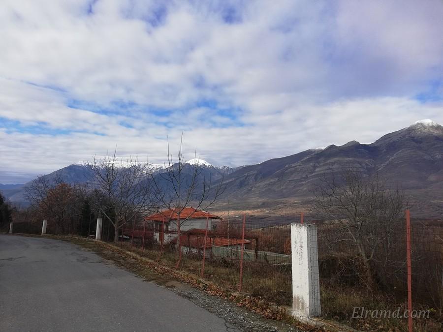 Вид на горы от монастыря