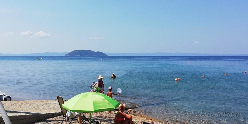 На пляж, Парадисос