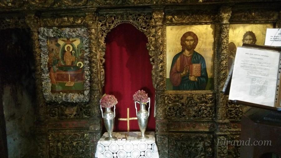 Царские врата и иконостас