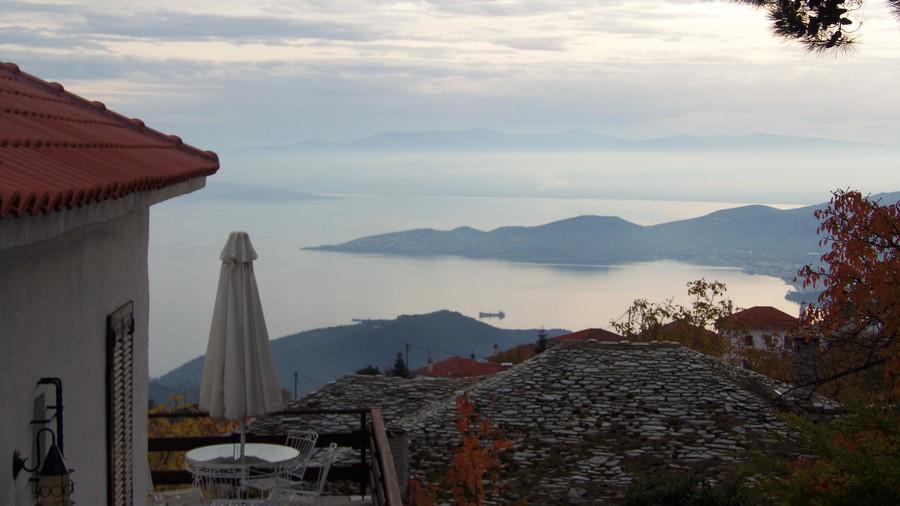 Вид на залив Пагиситикос в ноябре