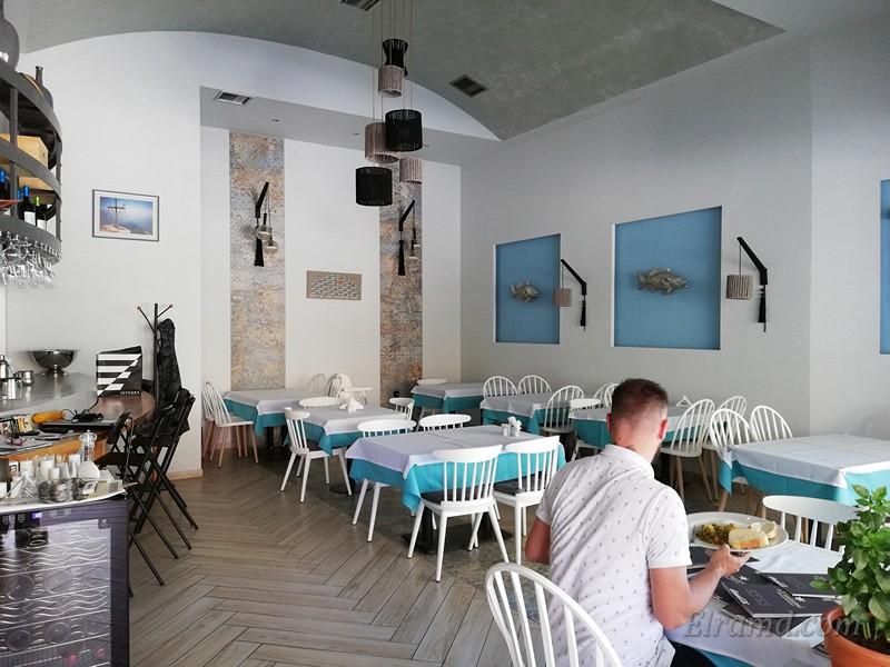 Внутренний зал ресторана