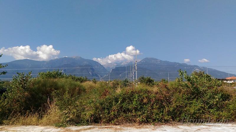 Вид с перрона на горы