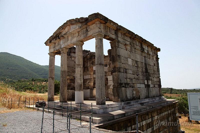 Мавзолей в Архео Мессини