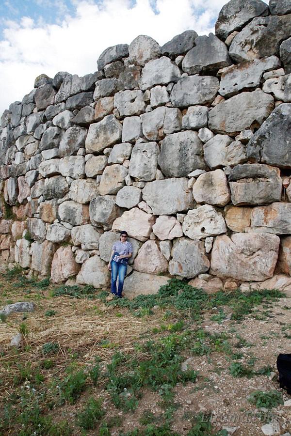 Снеты Тиринфа из огромных камней