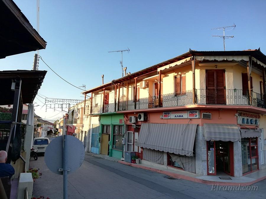 Улица от площади