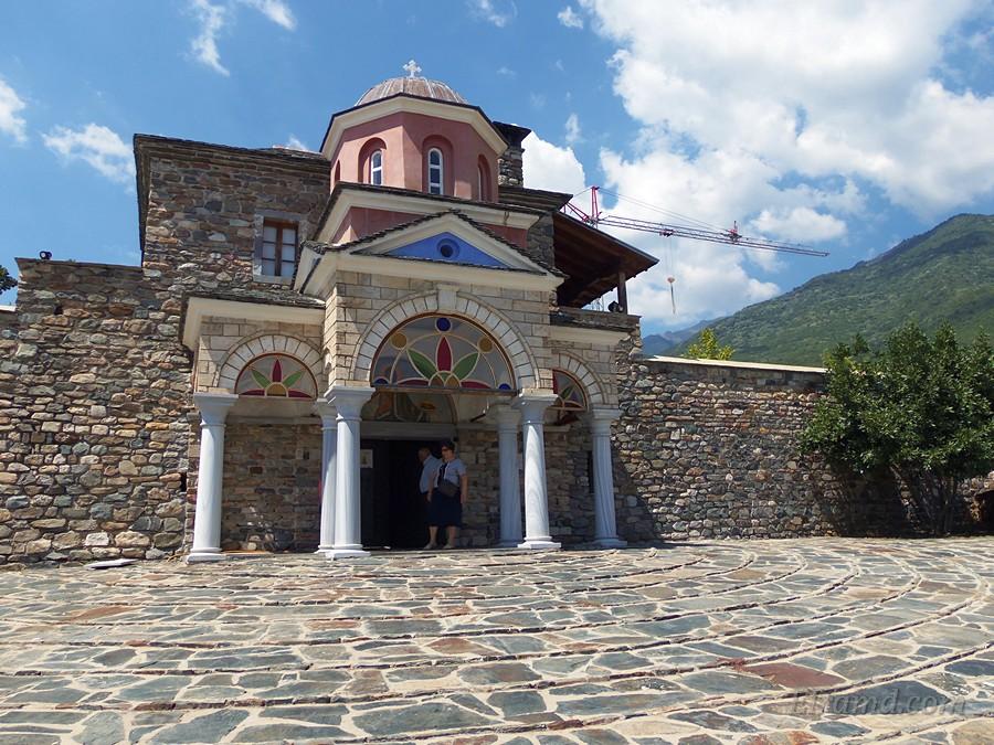 Вход в монастырь Иоанна Предтечи