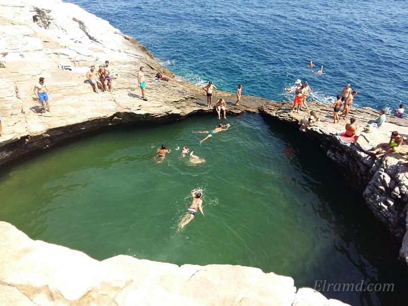 Гиола - Око Зевса, природный бассейн