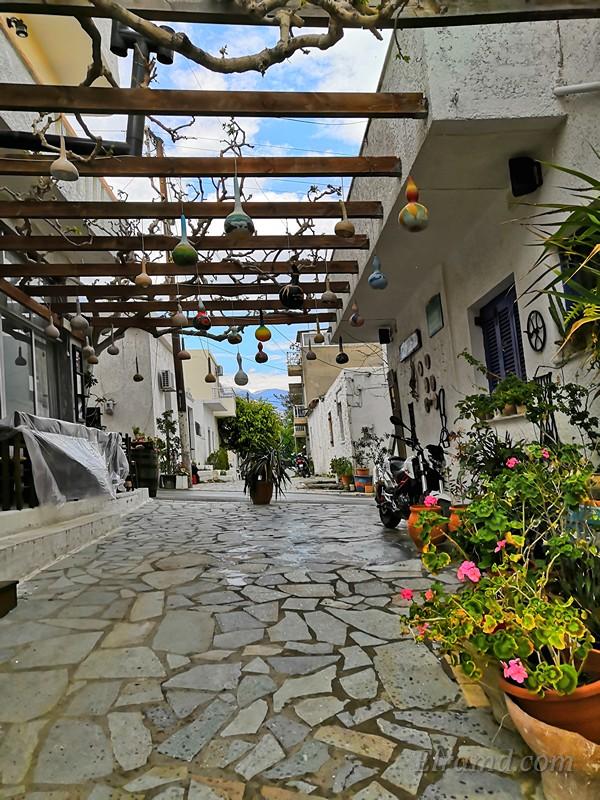 Улочка критского городка