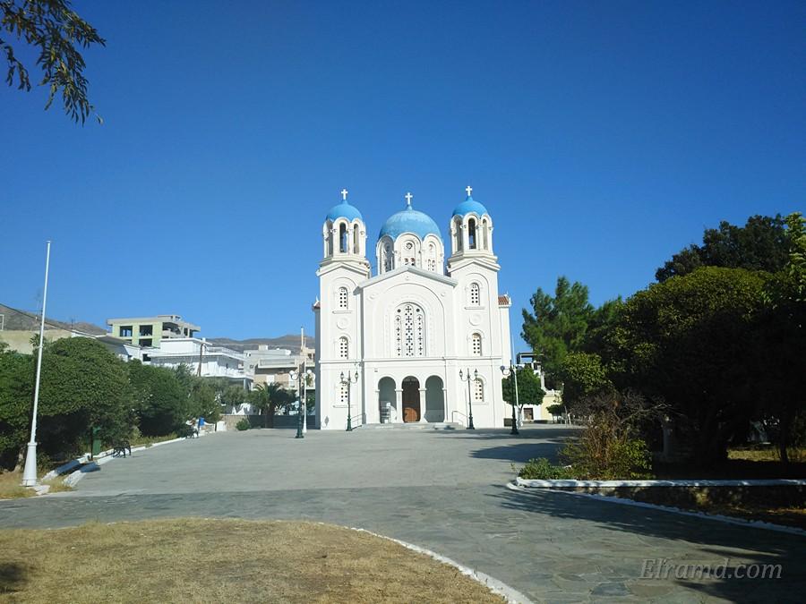 Храм Николая Чудотворца в Каристосе