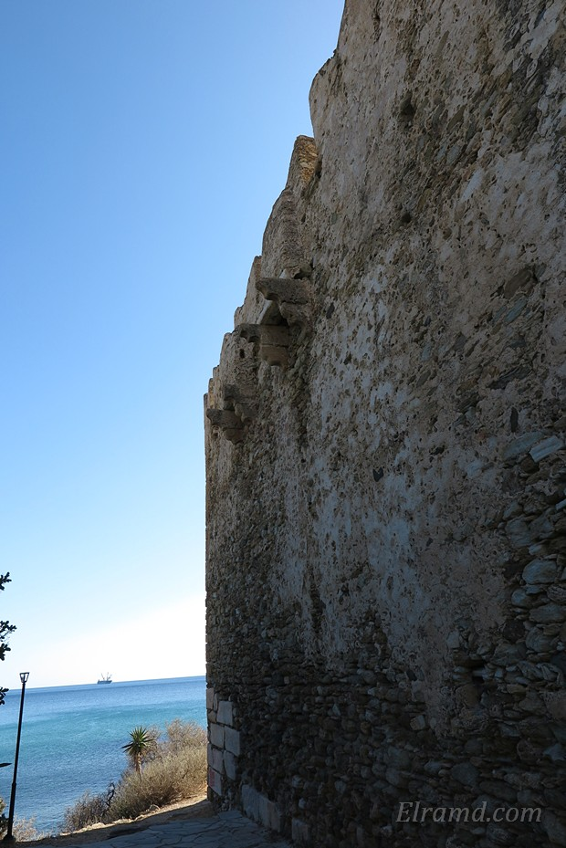 Средневековые туалеты в крепости