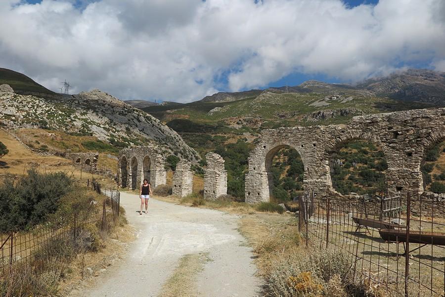Акведук, ведущий к крепости