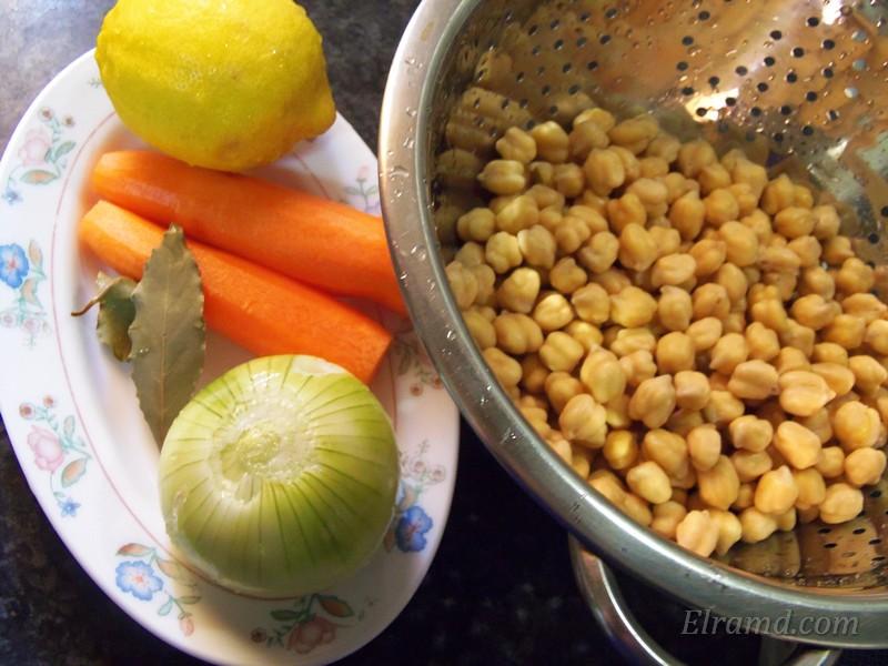 Ингредиенты для вегетарианского супа из нута