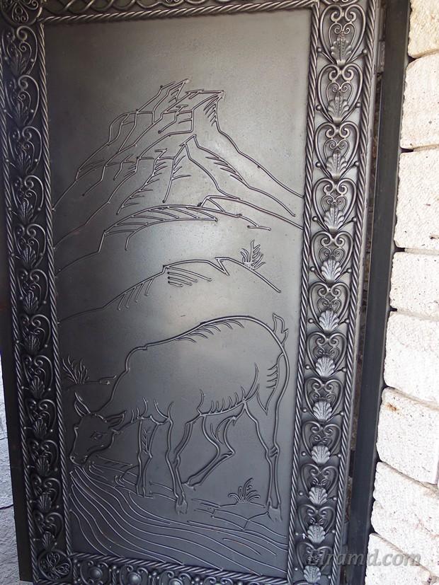 Кованые двери с рисунком