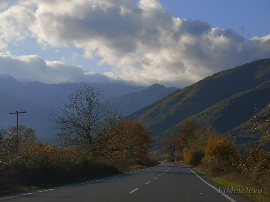На горных дорогах Алмопии