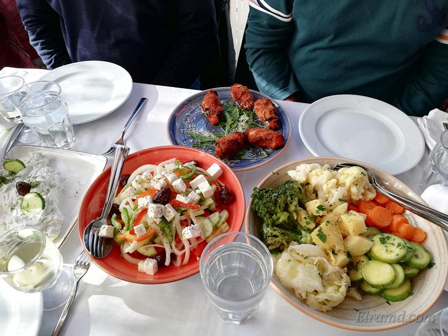 Таверна Дионисос: салаты и закуски