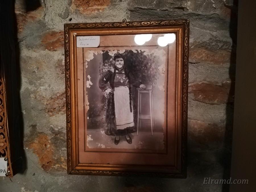 Крестьянка в традиционной одежде