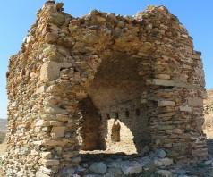 Каристос: музей, двойной храм и башня