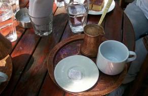 Так подают греческий кофе